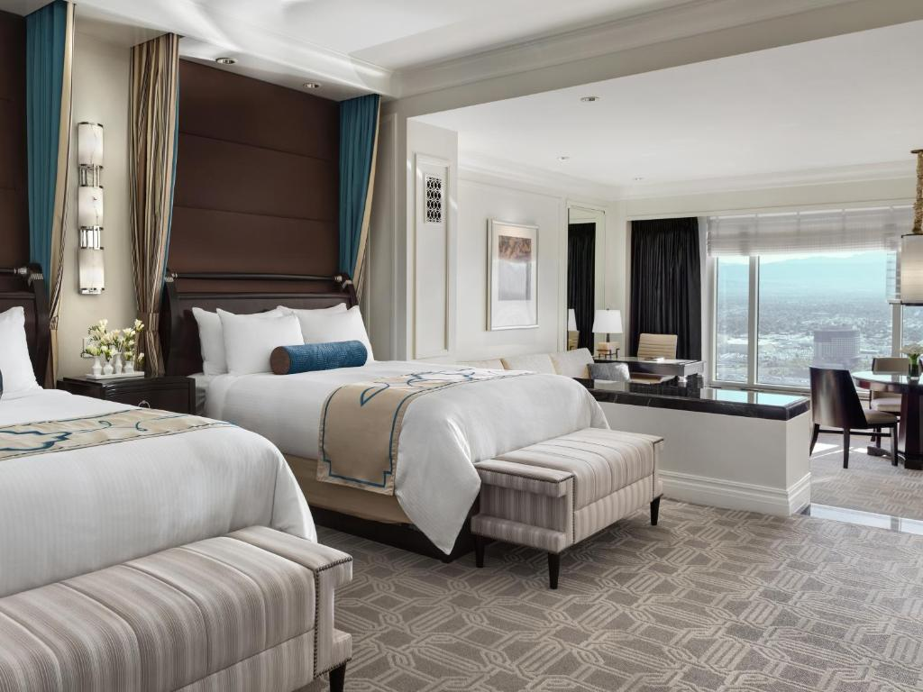 Palazzo Luxury Two Queen Suite