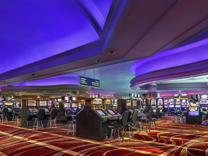 Casino | Suites at Stratosphere Hotel, Casino & Tower, BW Premier Collection