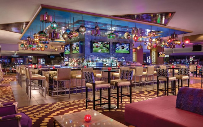 Centra Bar And Lounge | Suites at Luxor Hotel & Casino