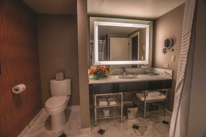 Grand King Bathroom | Suites at MGM Grand Hotel & Casino