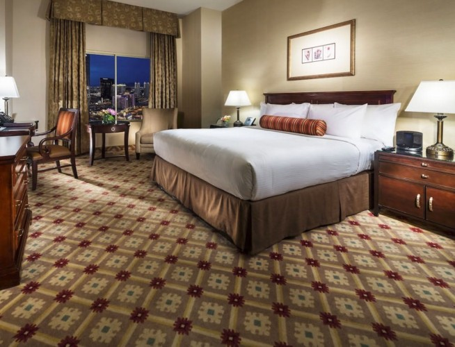 Guestroom | Suites at Monte Carlo Resort and Casino