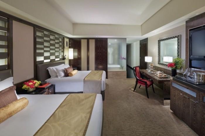 https://suiteness.imgix.net/destinations/las-vegas/mandarin-oriental-las-vegas/suites/penthouse-suite-strip-view-2-double-beds/2-double-beds.jpg?w=96px&h=64px&crop=edges&auto=compress,format