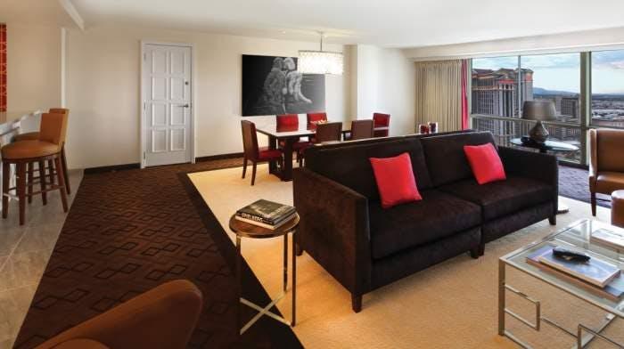 https://suiteness.imgix.net/destinations/las-vegas/bally-s-las-vegas/suites/jubilee-celebrity-suite-1-king/living-room.jpg?w=96px&h=64px&crop=edges&auto=compress,format