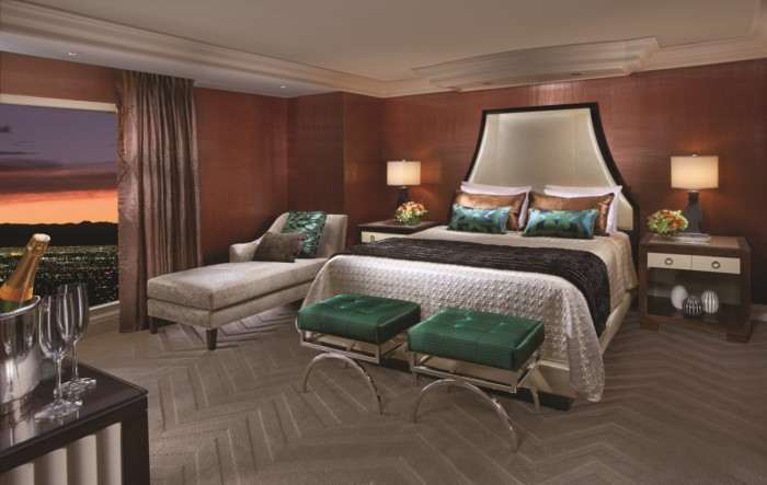 https://suiteness.imgix.net/destinations/las-vegas/bellagio/suites/two-bedroom-tower-suite/bedroom.jpg?w=96px&h=64px&crop=edges&auto=compress,format