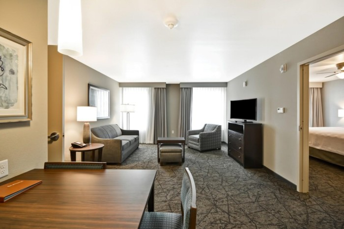 https://suiteness.imgix.net/destinations/las-vegas/homewood-suites-by-hilton-las-vegas-city-center/suites/2-queen-beds-1-bedroom-suite-nonsmoking/homewood_suites-jpg.jpg?w=96px&h=64px&crop=edges&auto=compress,format