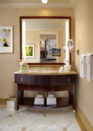 https://suiteness.imgix.net/destinations/las-vegas/bellagio/suites/bellagio-suite/Bellagio-Suite-Bathroom.jpg?w=96px&h=64px&crop=edges&auto=compress,format