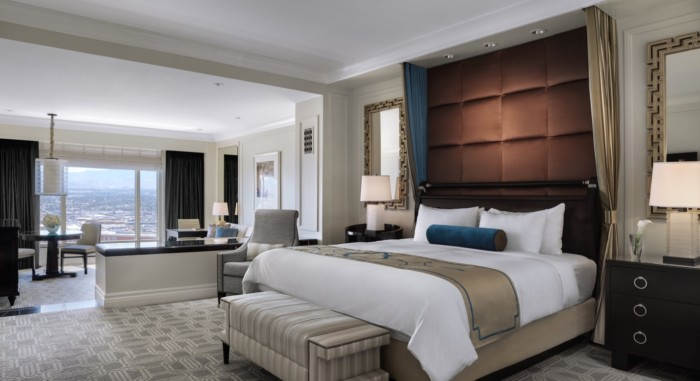 https://suiteness.imgix.net/destinations/las-vegas/the-palazzo-resort-hotel-casino/suites/luxury-suite-luxury-suite/luxury-bed.jpg?w=96px&h=64px&crop=edges&auto=compress,format