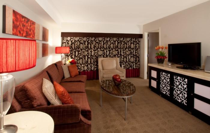 https://suiteness.imgix.net/destinations/las-vegas/harrah-s-hotel-and-casino-las-vegas/suites/executive-suite/executive-suite-living.png?w=96px&h=64px&crop=edges&auto=compress,format