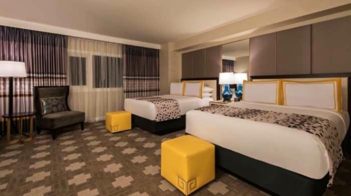 https://suiteness.imgix.net/destinations/las-vegas/caesars-palace/suites/julius-luxury-suite-2-queens-1-king/julius-luxury-suite.jpg?w=96px&h=64px&crop=edges&auto=compress,format