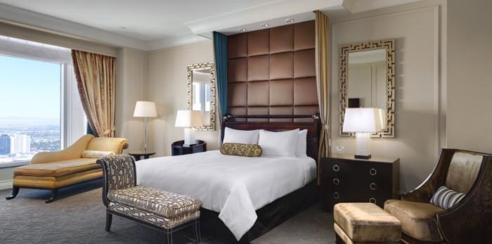 https://suiteness.imgix.net/destinations/las-vegas/the-palazzo-resort-hotel-casino/suites/lago-two-bedroom-suite/king-bed.jpg?w=96px&h=64px&crop=edges&auto=compress,format