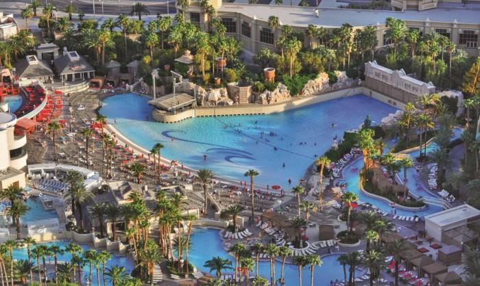 Mandalay Bay Pool Hero | Suites at Mandalay Bay Resort and Casino