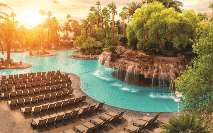 Mirage Pool | Suites at Mirage Resort & Casino