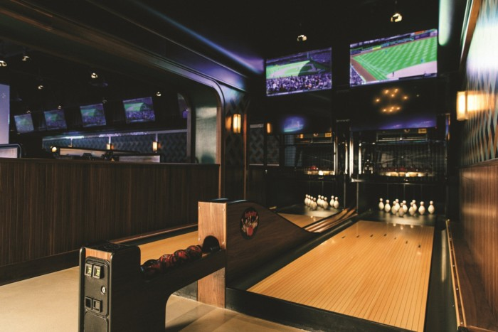 Moneyline Sports Bar and Book Games | Suites at Park MGM Las Vegas
