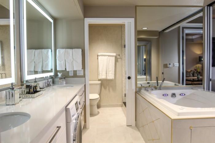 One Bed Villa Bathroom | Suites at Westgate Las Vegas