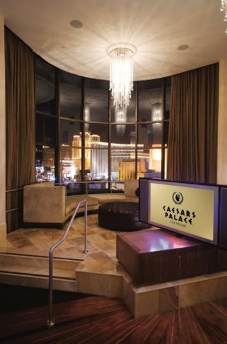 Picture of Forum Tower Duplex Suite + 2 Queens