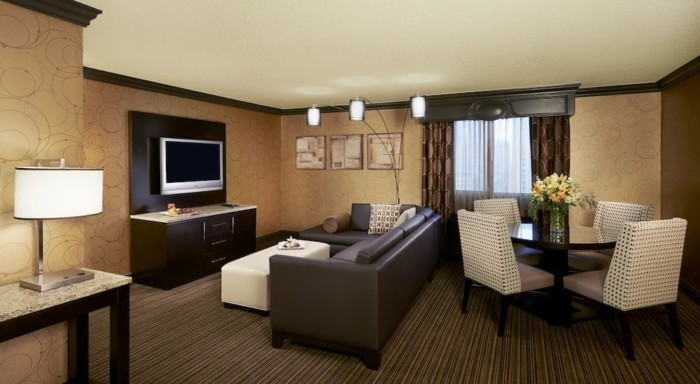 Picture of One Bedroom Parlor Suite