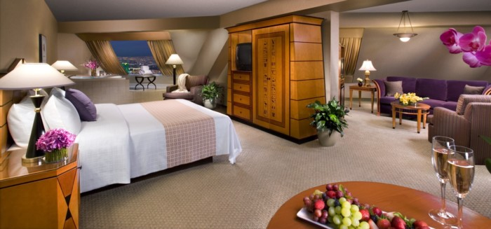 Picture of Pyramid Corner King Suite