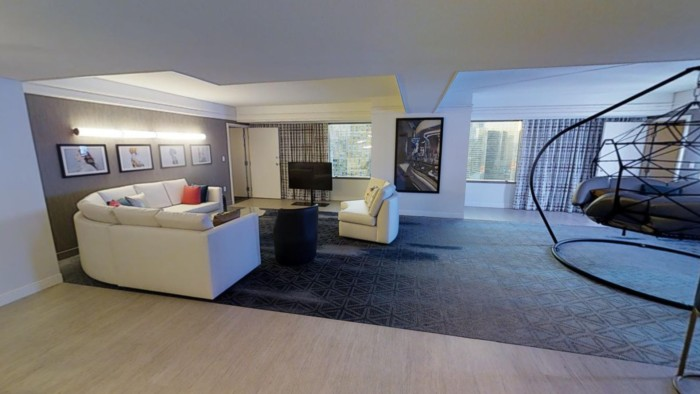 Picture of Ultra Boulevard Suite + 1 King