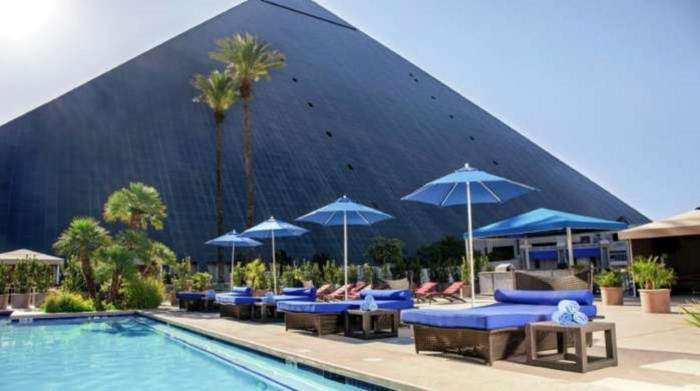 Pool | Suites at Luxor Hotel & Casino