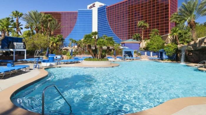 Pool | Suites at Rio All-Suite Hotel & Casino