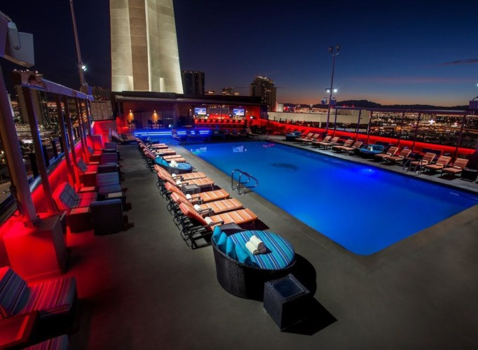 Pool | Suiten im Stratosphere Hotel, Casino & Tower, BW Premier Collection