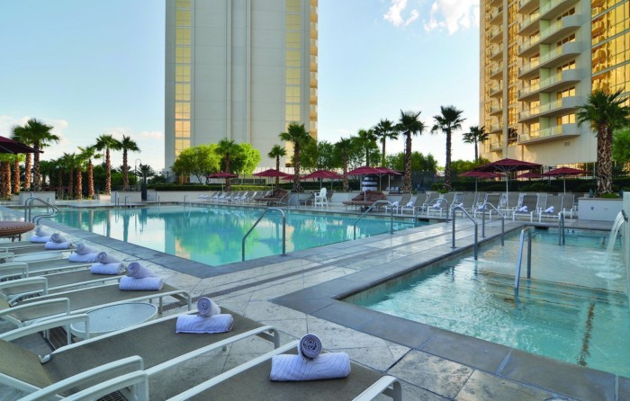 Pool | Suites at The Signature at MGM Grand