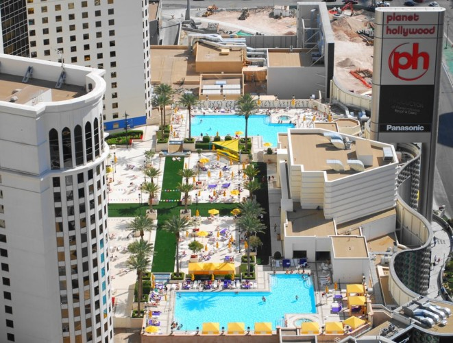 Pools | Suites at Planet Hollywood Resort & Casino