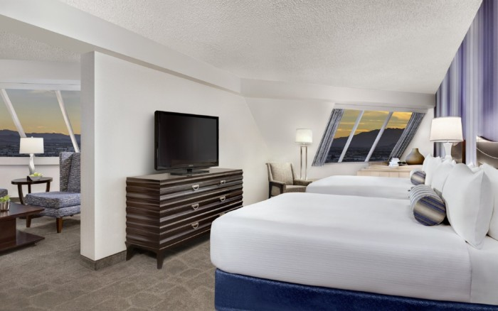 Pyramid-Premium-Corner-Suite-Queen-Beds | Suites at Luxor Hotel & Casino