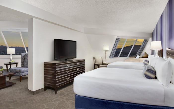 Pyramid-Premium-Corner-Suite-Queen-Beds | Suites at Luxor Hotel & Casino