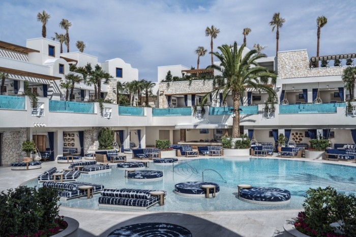 Resort Pool Cabanas | Suites at The Palms Casino Resort
