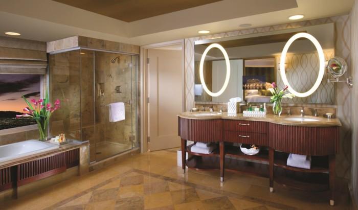 Salone Suite Bathroom | Suites at Bellagio
