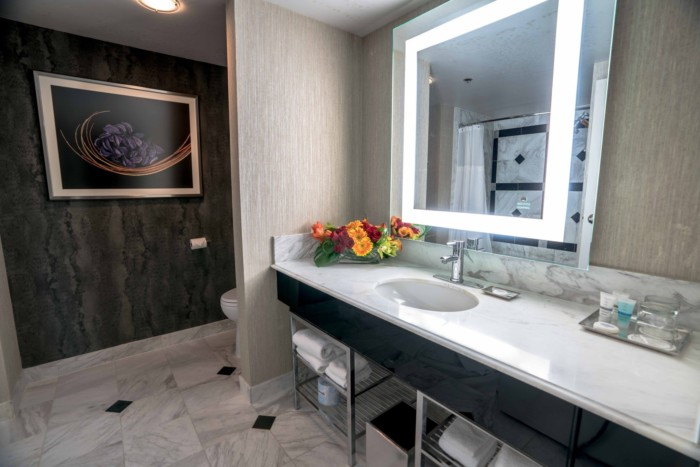 Staywell Grand Queen Bathroom | Suites at MGM Grand Hotel & Casino