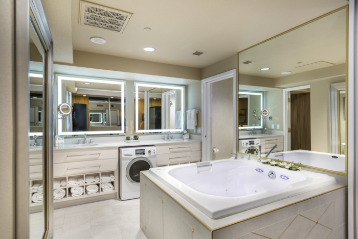 Studio Suite Bathroom | Suites at Westgate Las Vegas