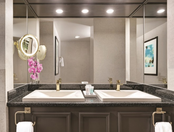 Tower One Bathroom | Suites at Luxor Hotel & Casino